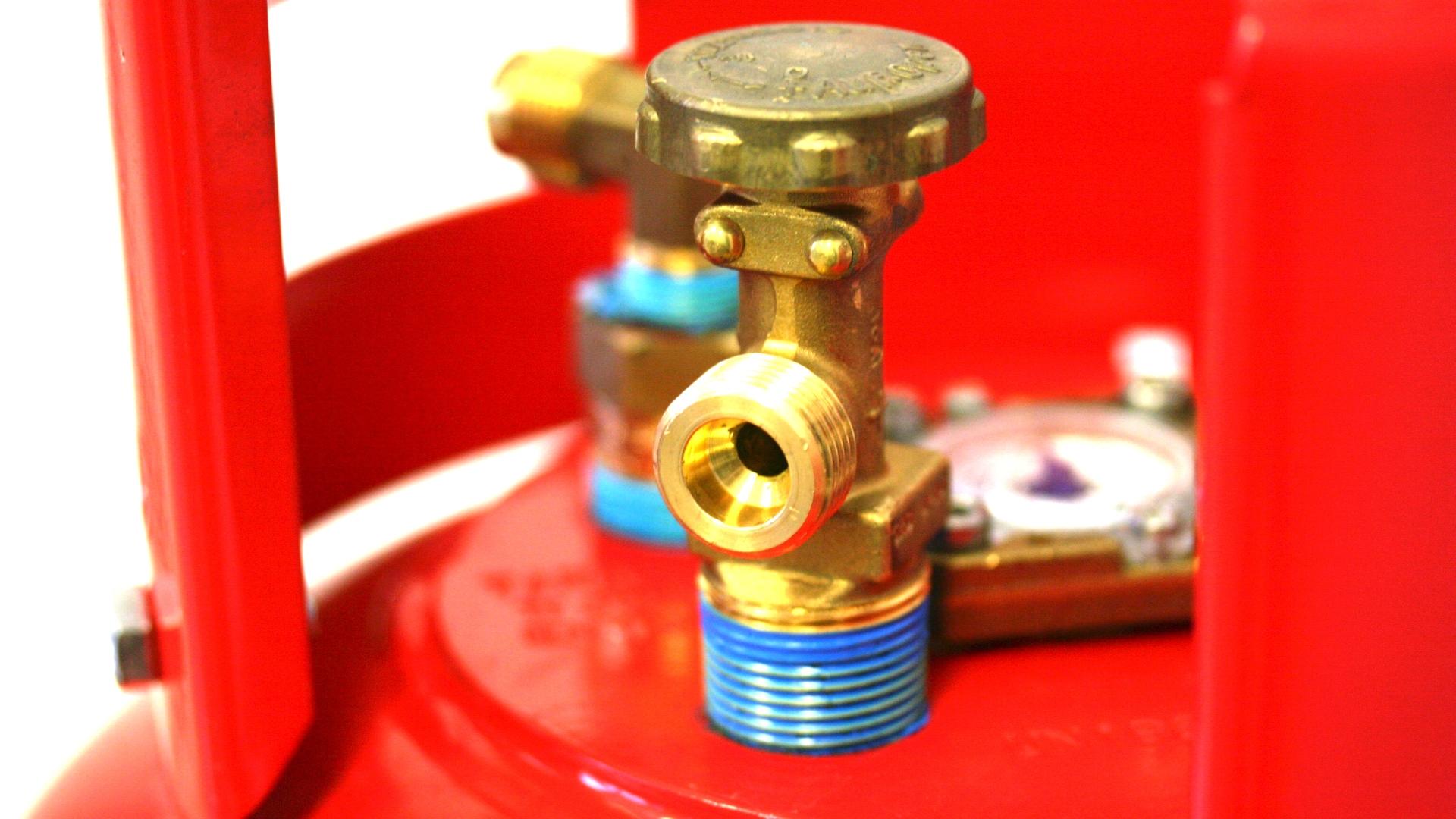 GZWM Gasflasche 36 Liter mit 3-Punkt-Ventil